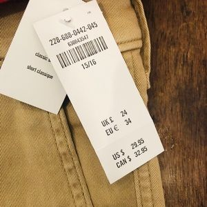 Size 15/16 NWT Abercrombie and Fitch khaki shorts